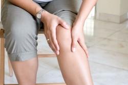 Массирование коленного сустава