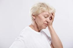 Головокружение и боли в голове из-за шейного остеохондроза