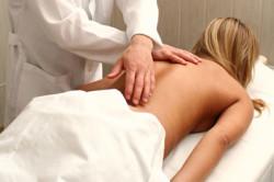 Лечение спондилеза при помощи массажа