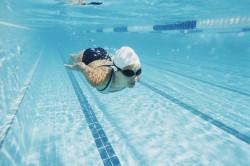 Польза плавания при отложении солей