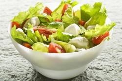 Салат из сырых овощей на ужин при артрите