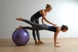 Занятия под присмотром фитнес тренера