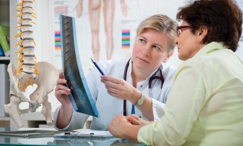 обращение к врачу с болями суставов