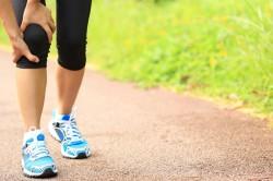 Хруст в коленях во время бега как симптом остеохондроза коленного сустава