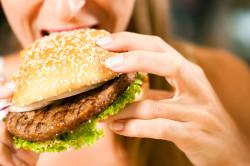 Неправильное питание - причина отложений солей в суставах