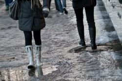 Сырая погода - причина обострения остеохондроза