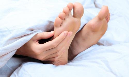 Проблема подагры на пальце ноги