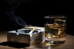 Курение и алкоголь - причины развития подагры